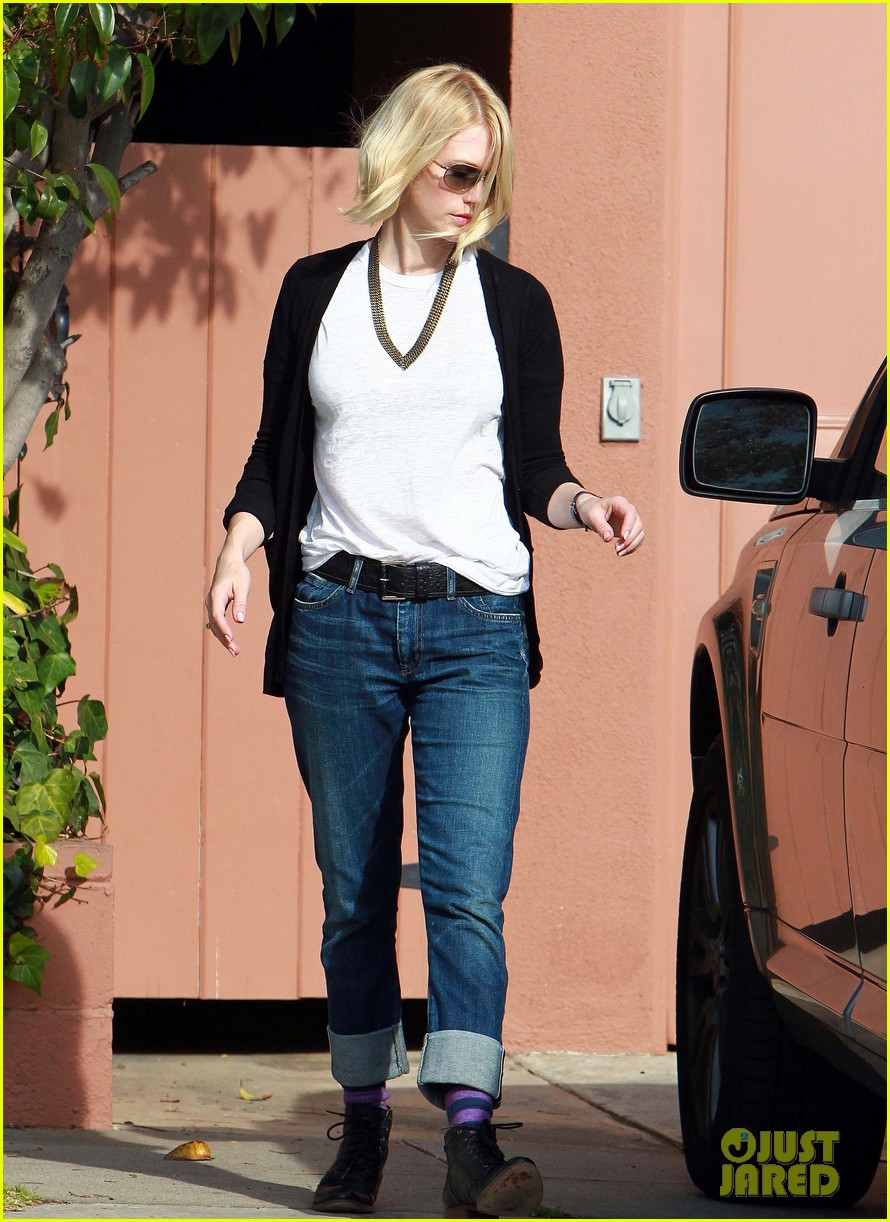 january jones gym 06