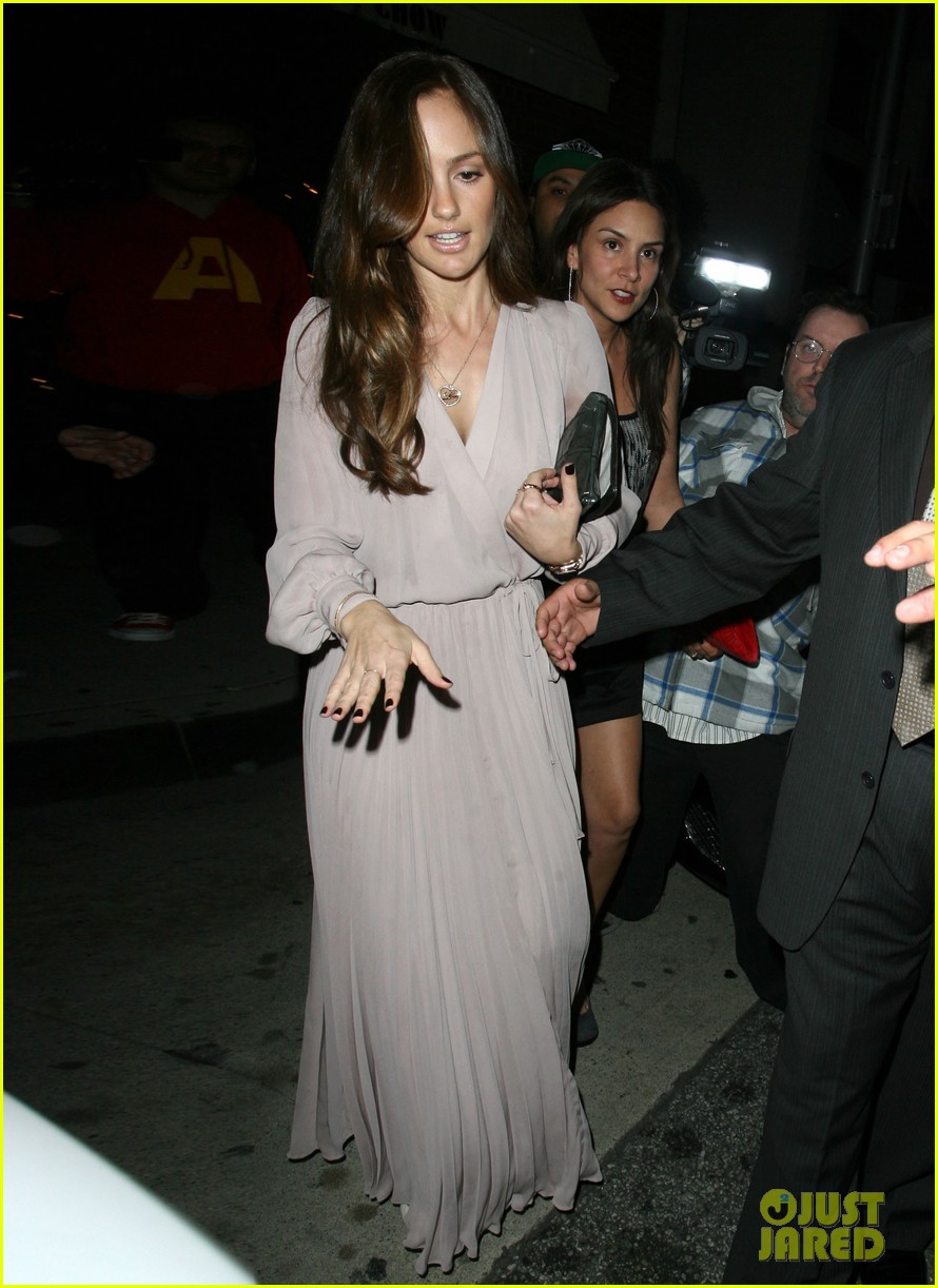 minka kelly fancy dinner 01