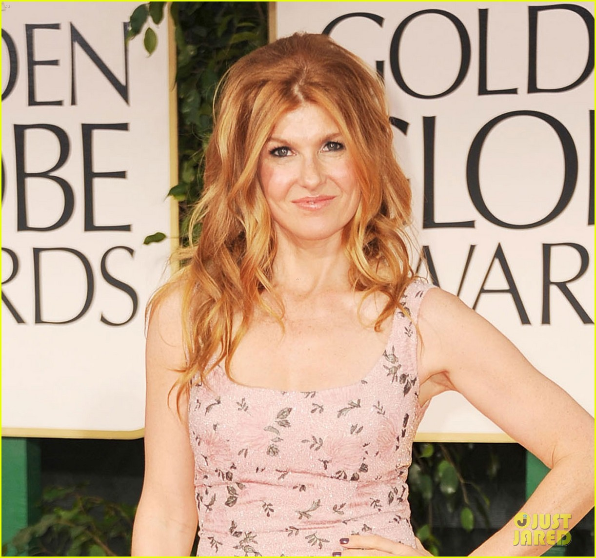 jessica lange connie britton golden globes 2012 red carpet 022618695
