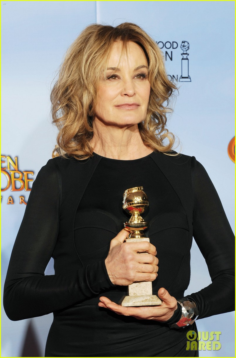 jessica lange connie britton golden globes 2012 red carpet 092618702