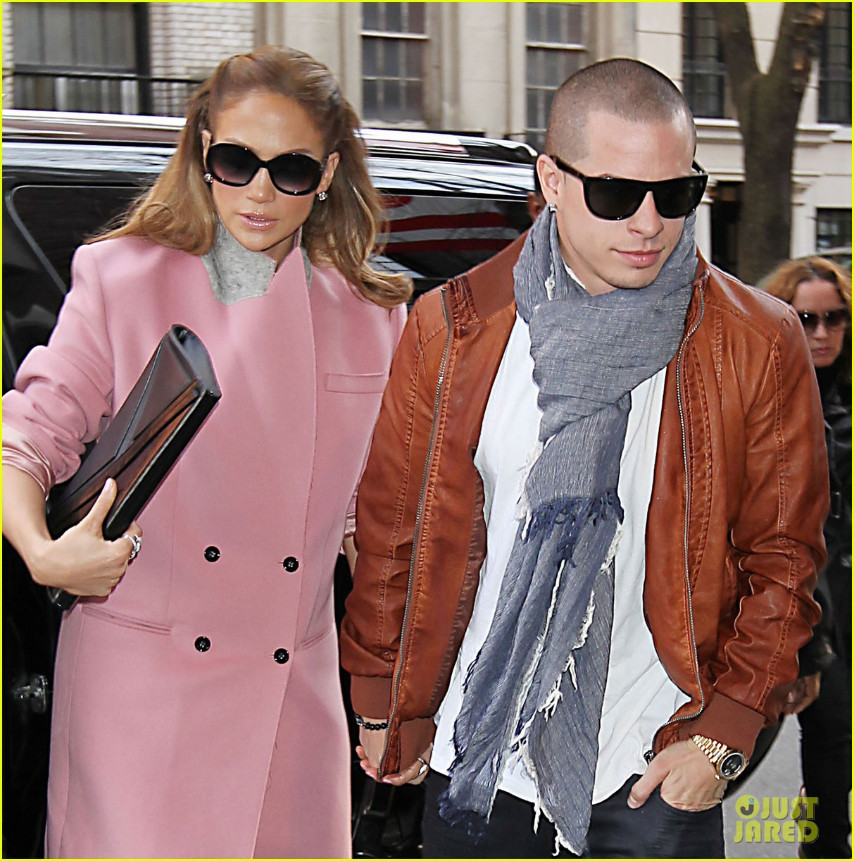 jennifer lopez pink coat casper smart 022624214
