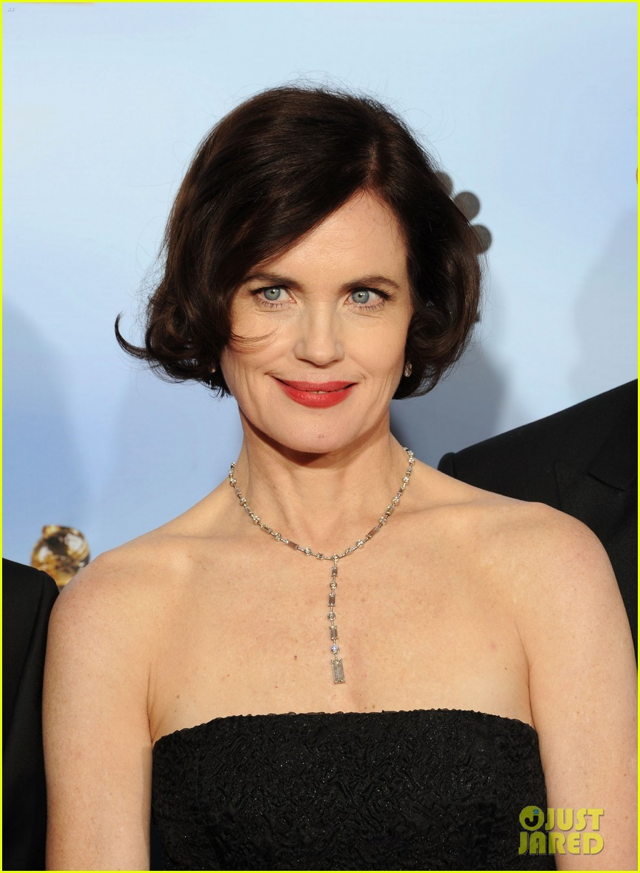elizabeth mcgovern golden globes 2012 red carpet 04