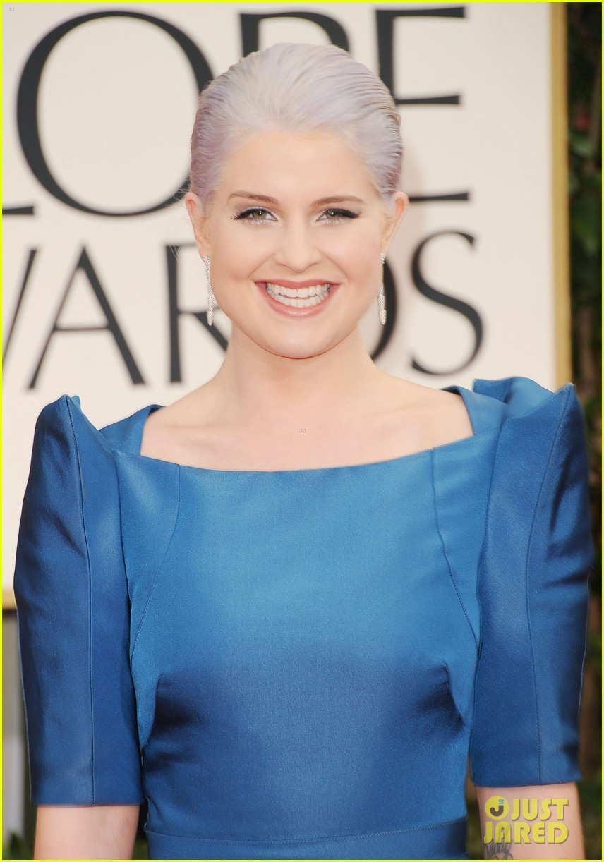kelly osbourne golden globes 2012 red carpet 02