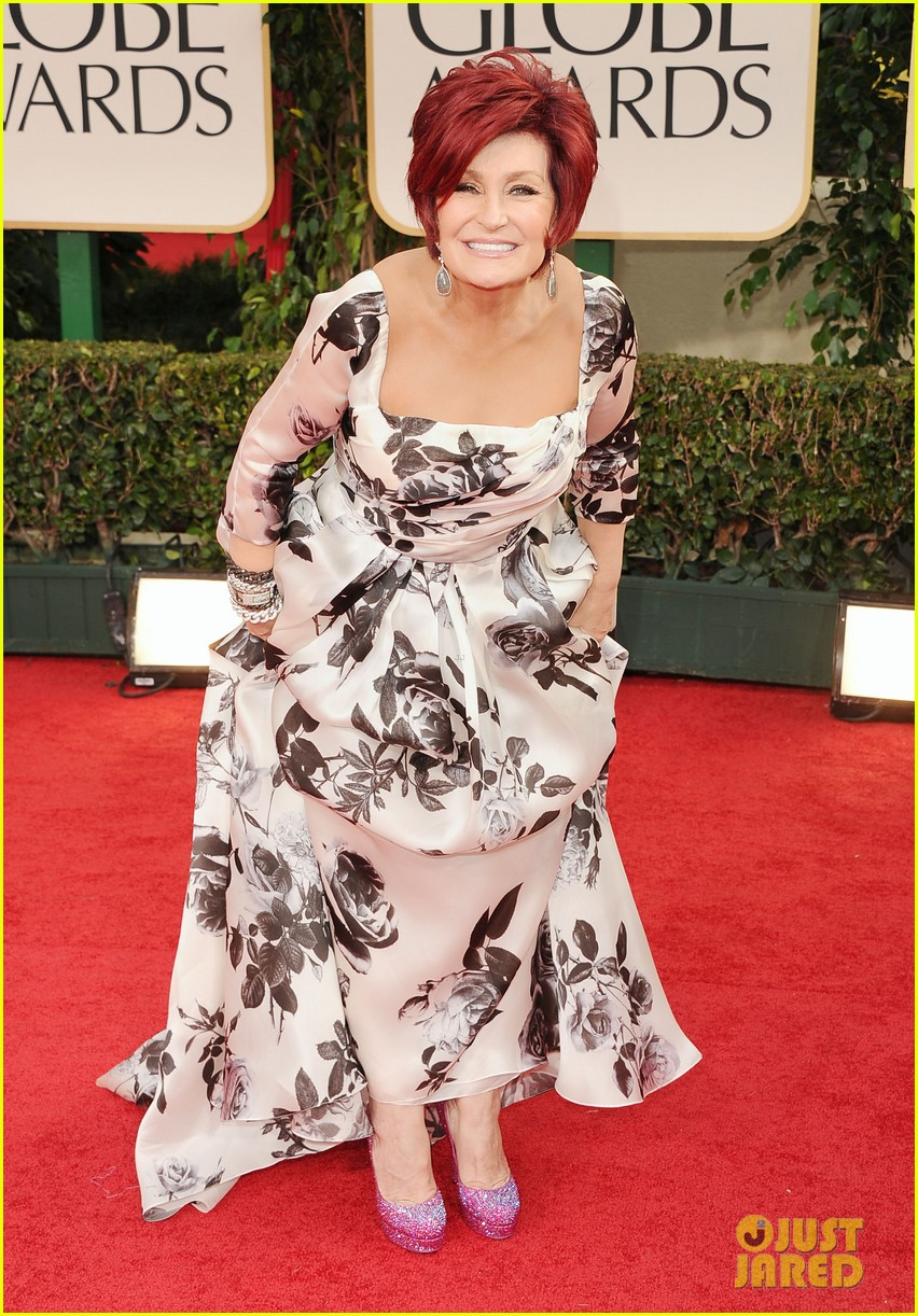 kelly osbourne golden globes 2012 red carpet 05