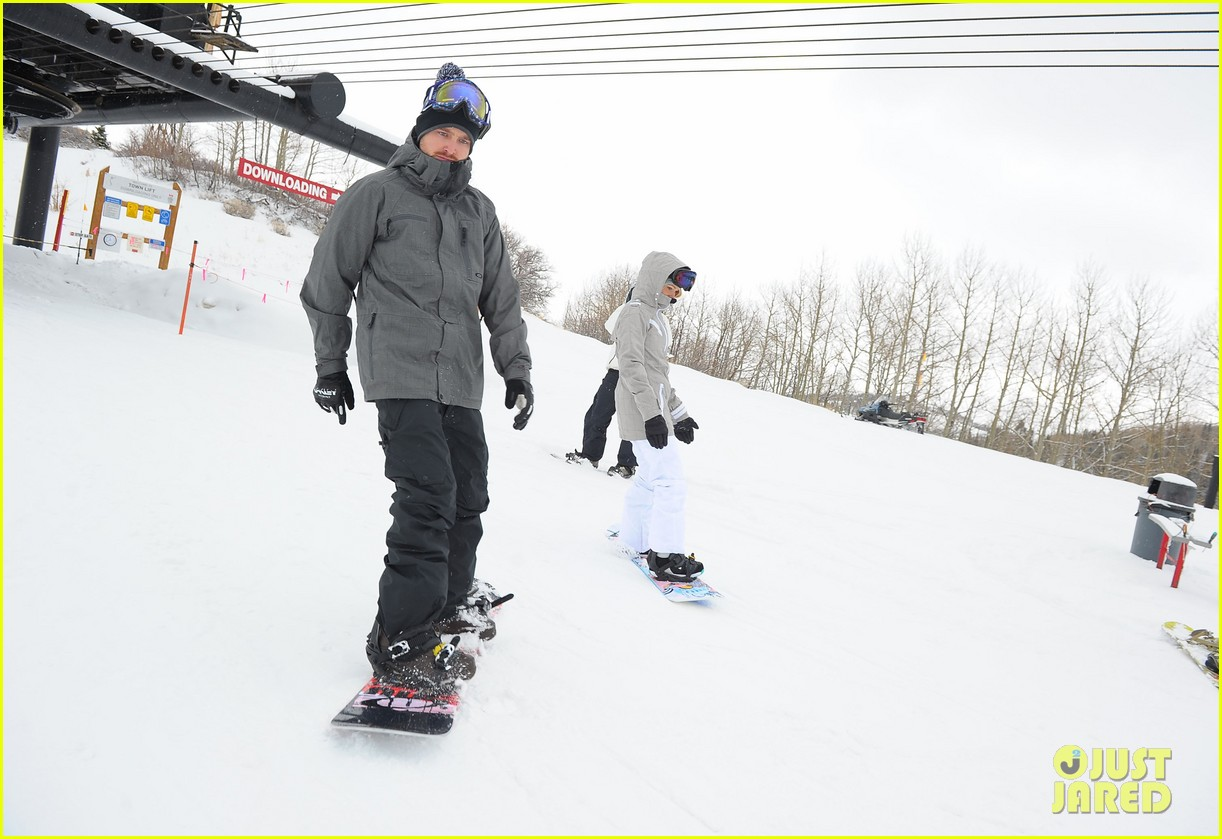 aaron paul ryan kwantan hit slopes 10