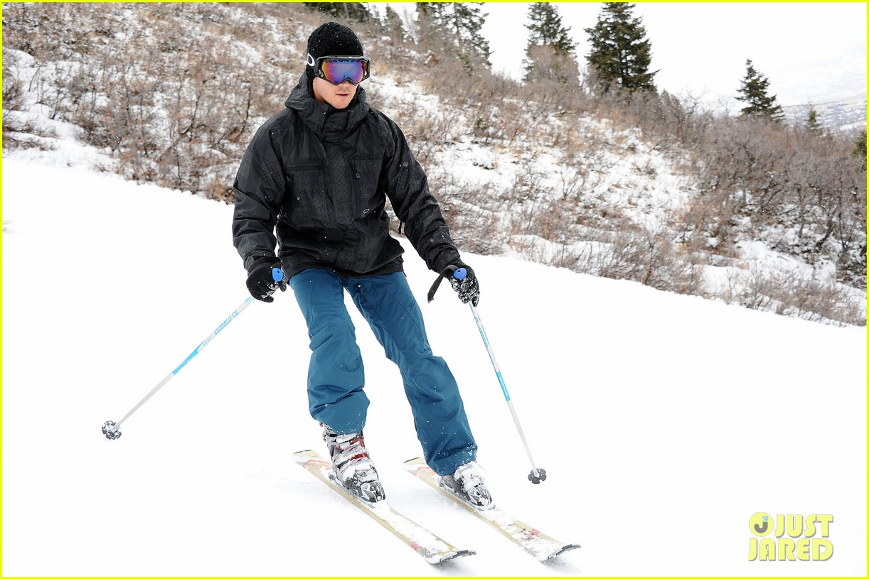 aaron paul ryan kwantan hit slopes 14