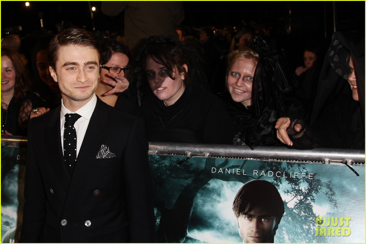 daniel radcliffe woman in black premiere 01