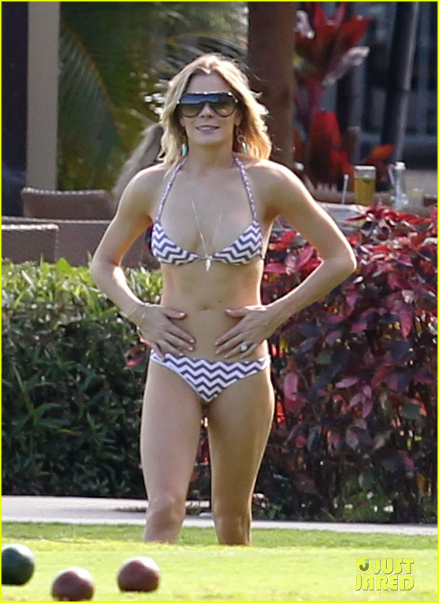 leann rimes bikini bocce ball player 04