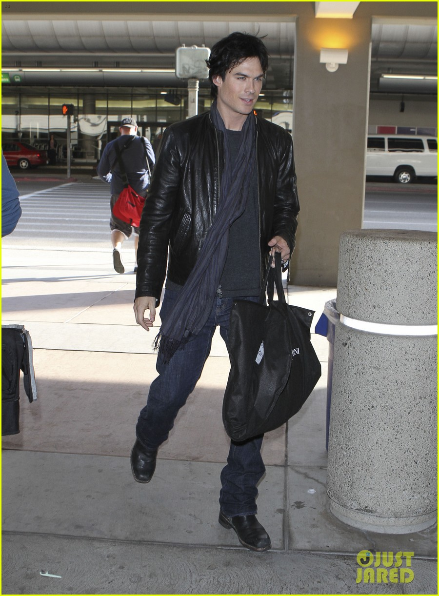 ian somerhalder joyful lax arrival 10