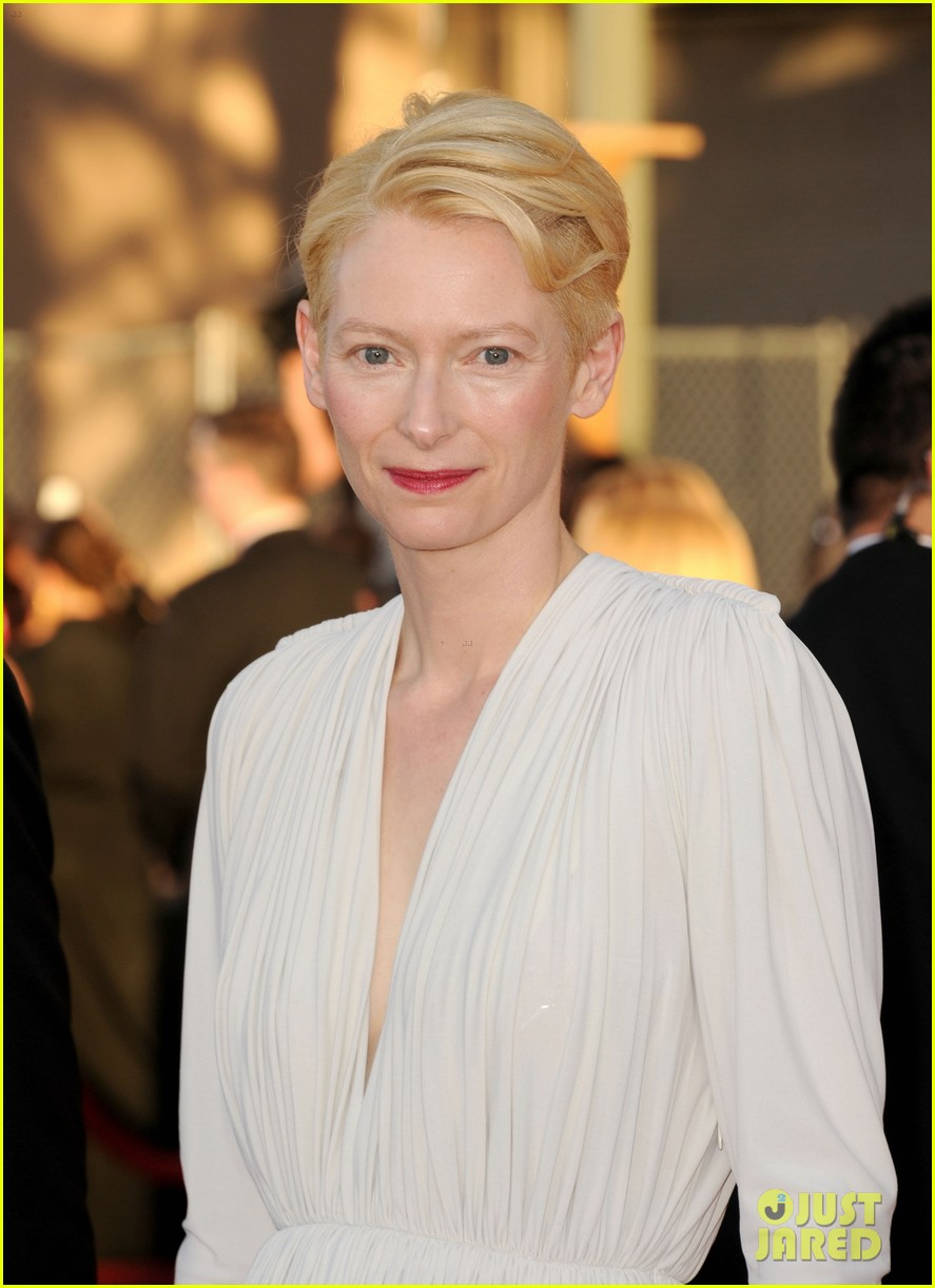 tilda swinton sag awards 2012 04
