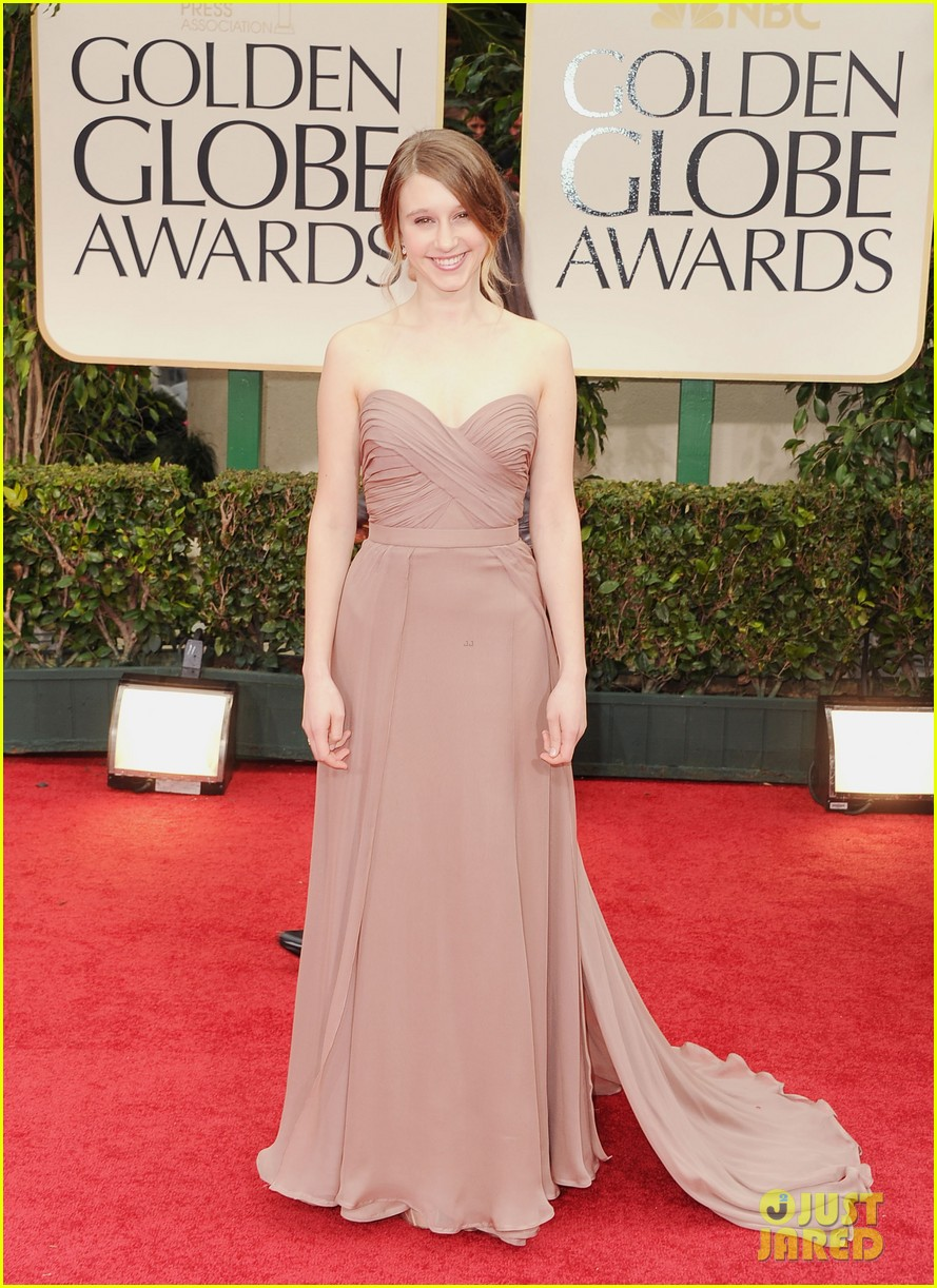 taissa farmiga golden globes evan peters 022618642