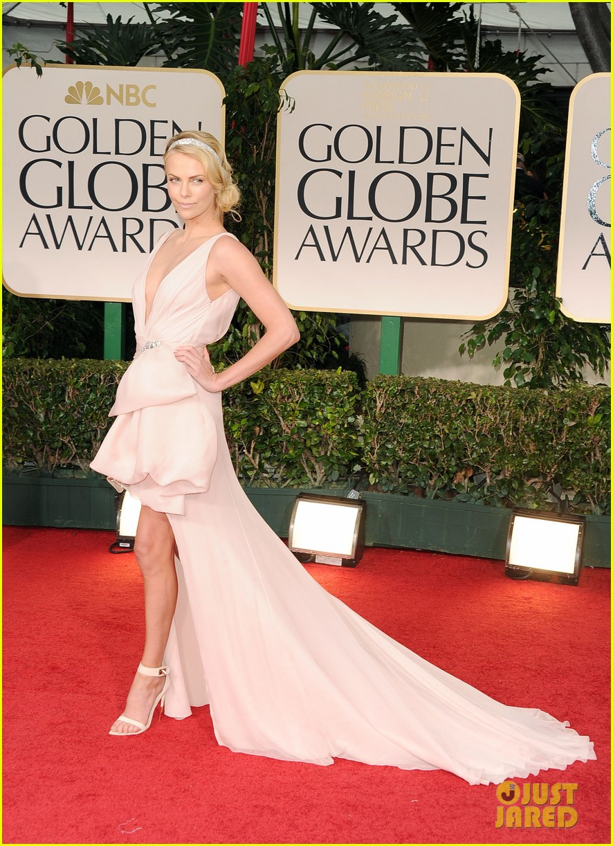charlize theron golden globes 01