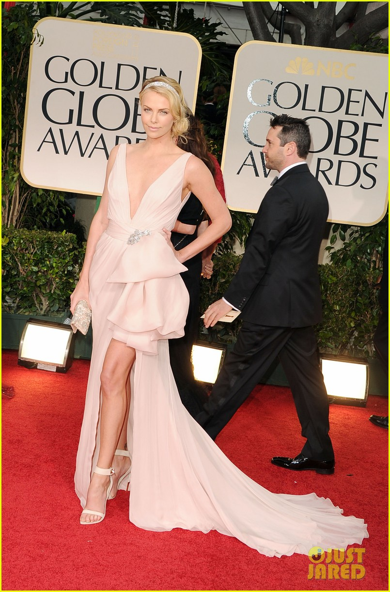 charlize theron golden globes 03