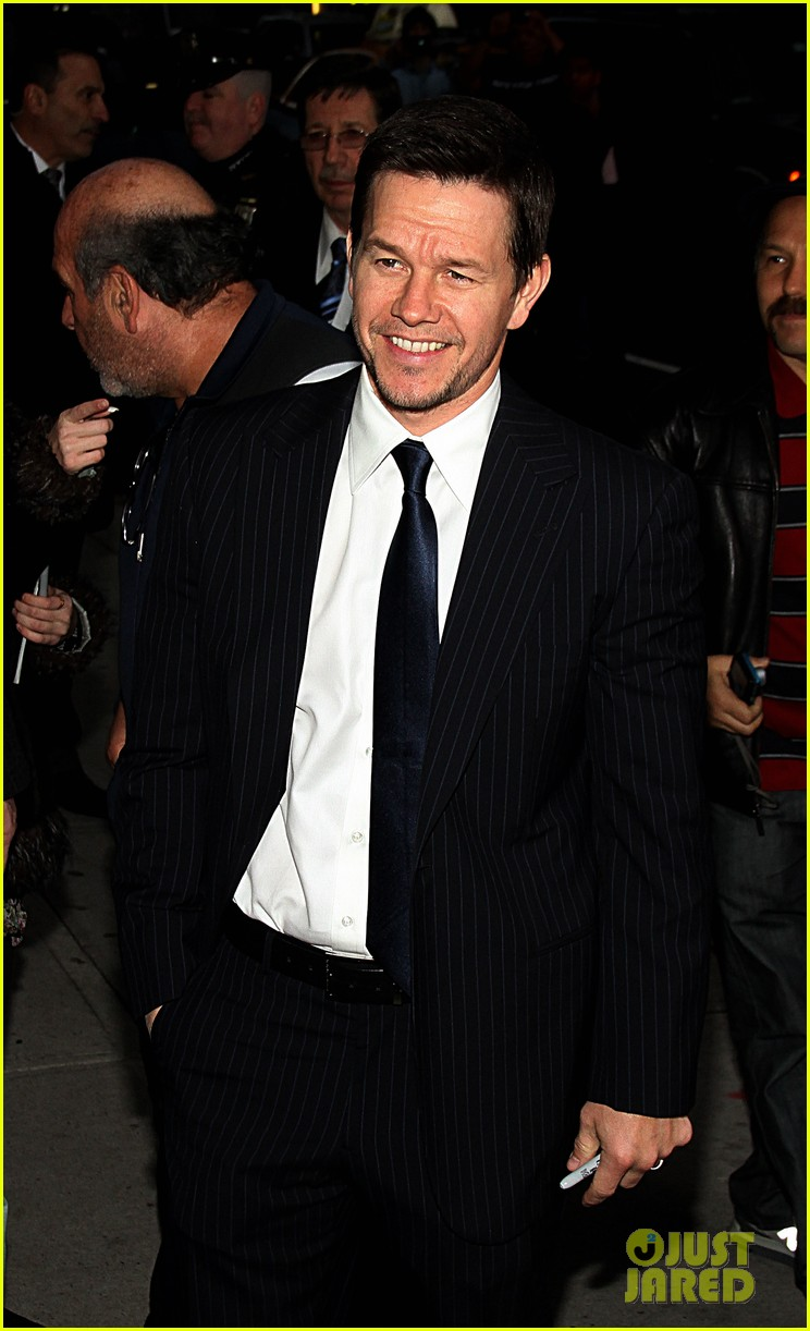 mark wahlberg late show with david letterman visit 07