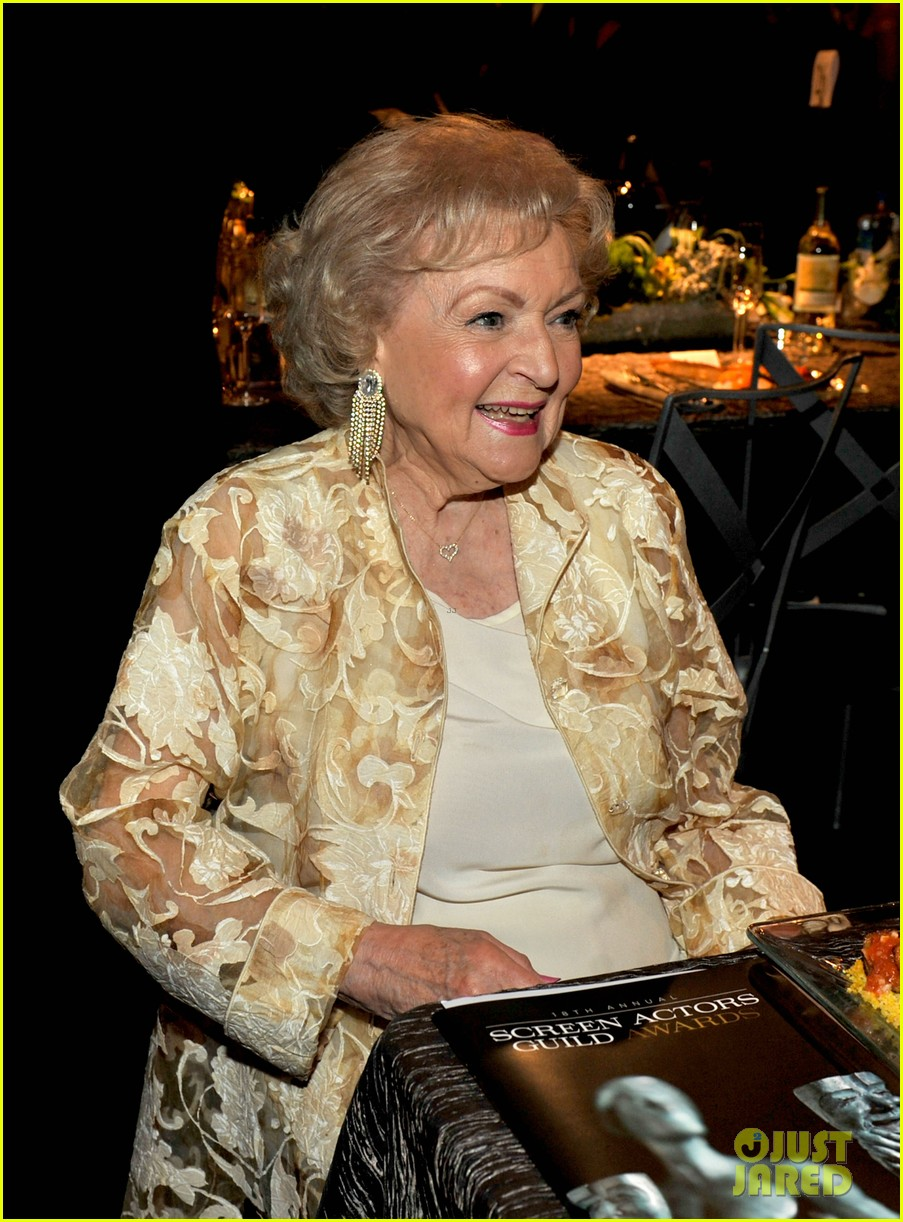 betty white jessica lange sag awards winners 05
