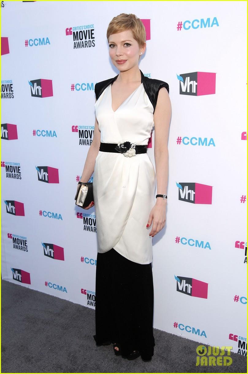 michelle williams 2012 critics choice awards 10