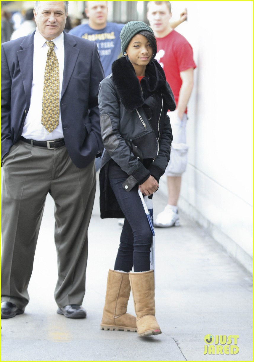 willow smith beanie n boots 01