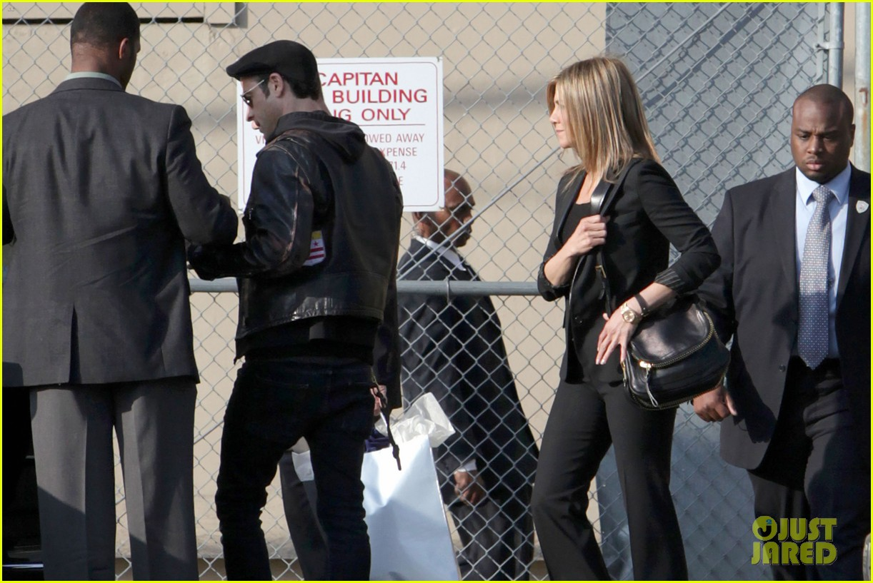 jennifer aniston kimmel justin theroux 09