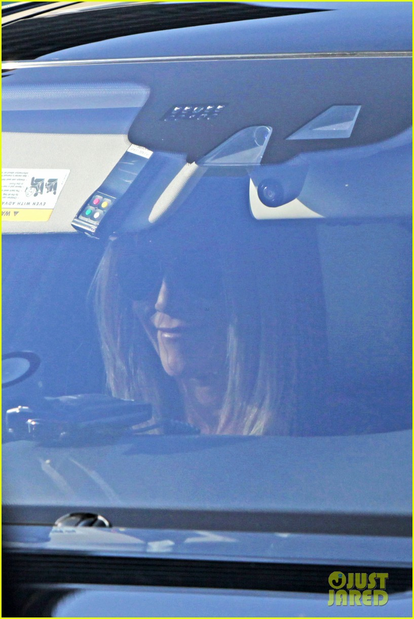 jennifer aniston kimmel justin theroux 142631278