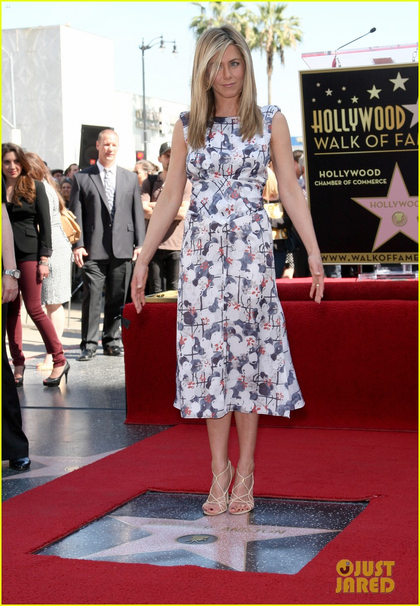 jennifer aniston star hollywood walk of fame 09