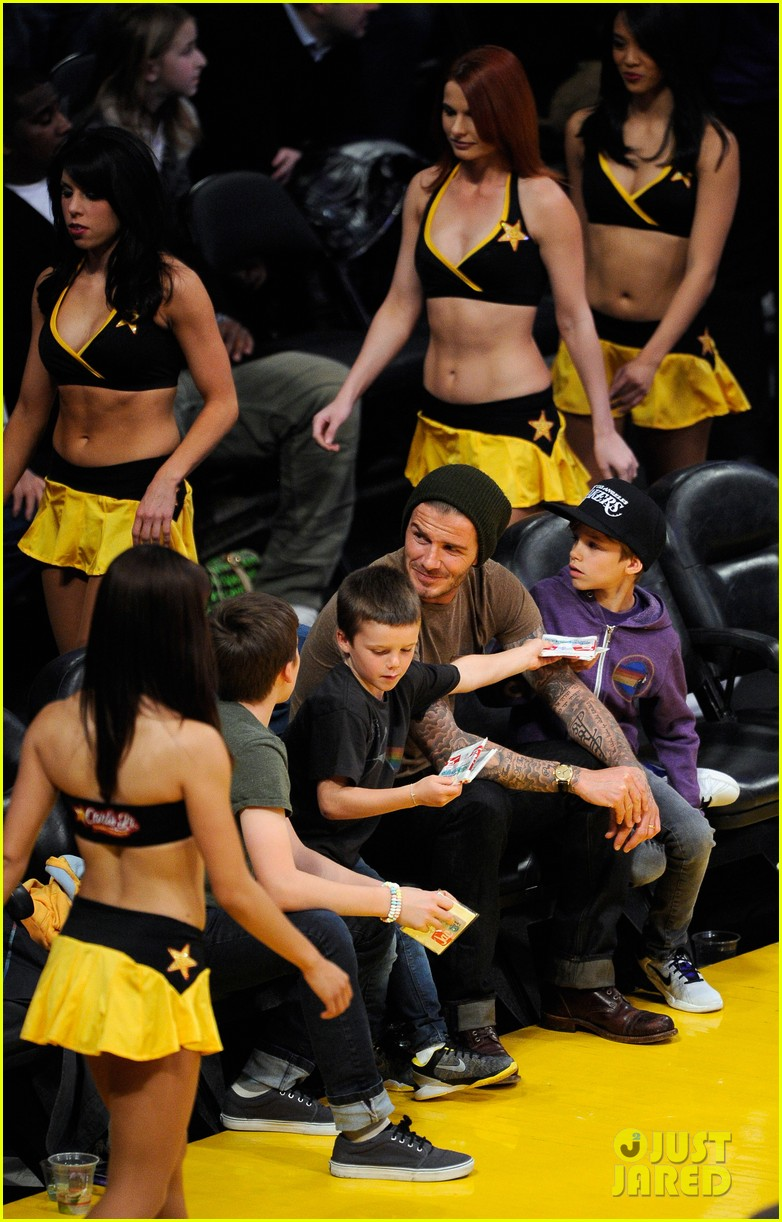 david beckham lakers game with the boys 09