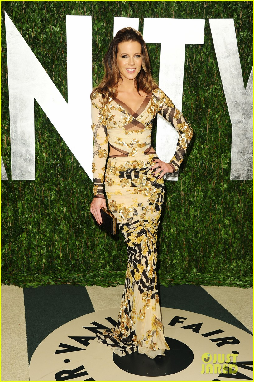 kate beckinsale vanity fair oscar party 04