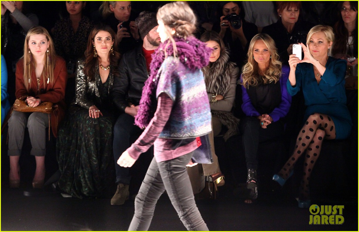 kristin chenoweth nikki reed fashion week 04