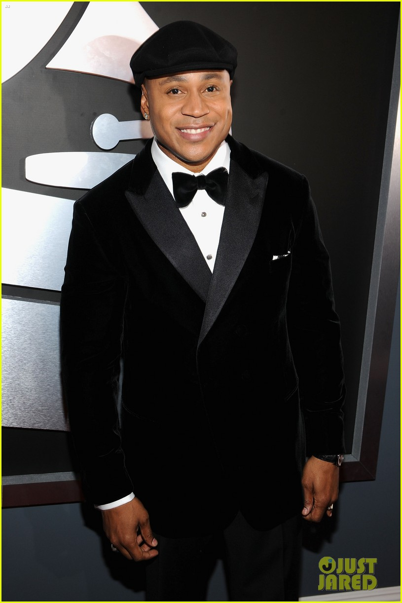 ll cool j grammys 2012 red carpet 06