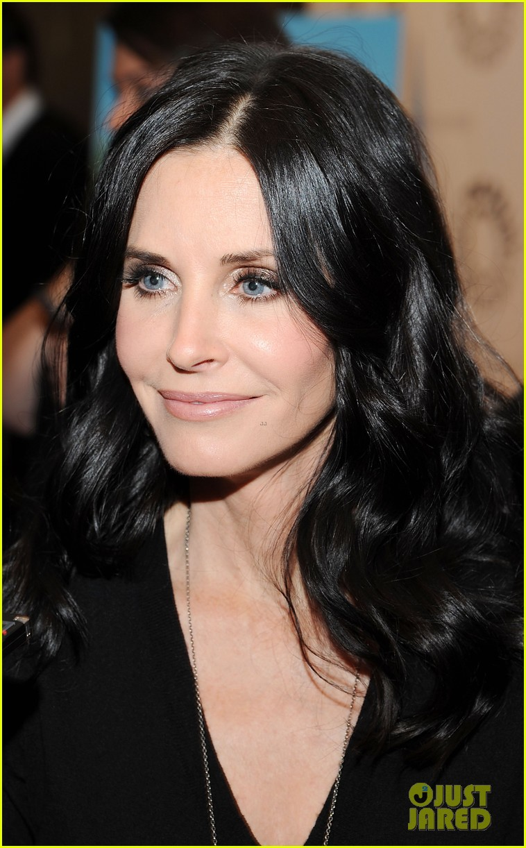 courteney cox cougar town viewing party 07