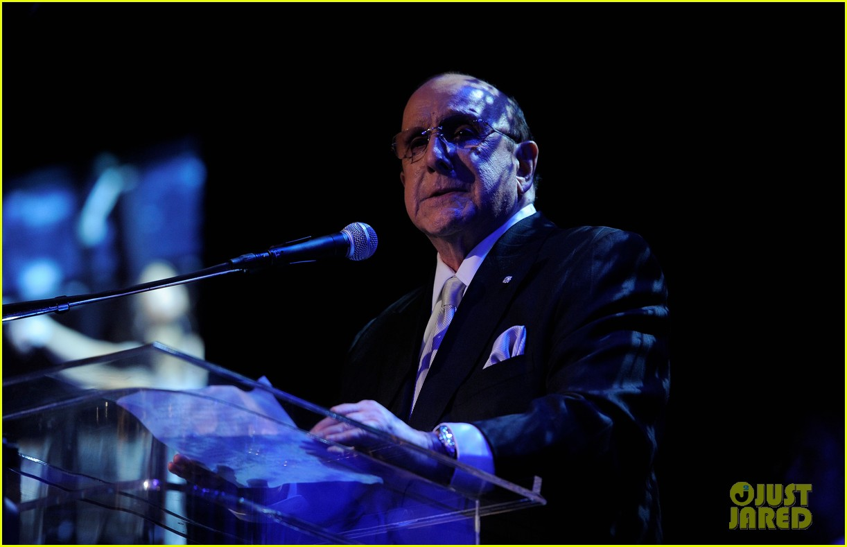 clive davis holds moment of silence for whitney houston 12