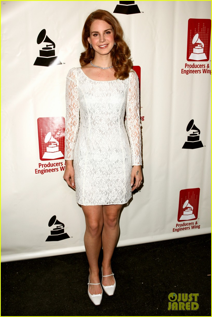 lana del rey grammy awards p e wing event 012626753
