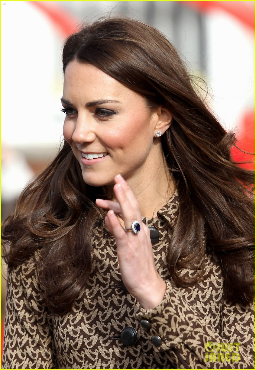 duchess kate rose hill primary school 09
