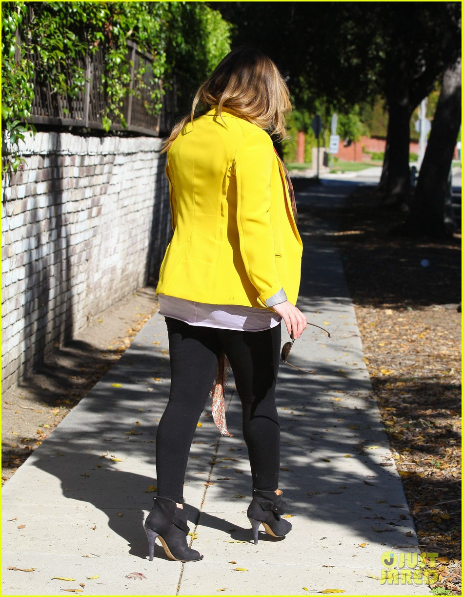 hilary duff pregnant yellow blazer 13