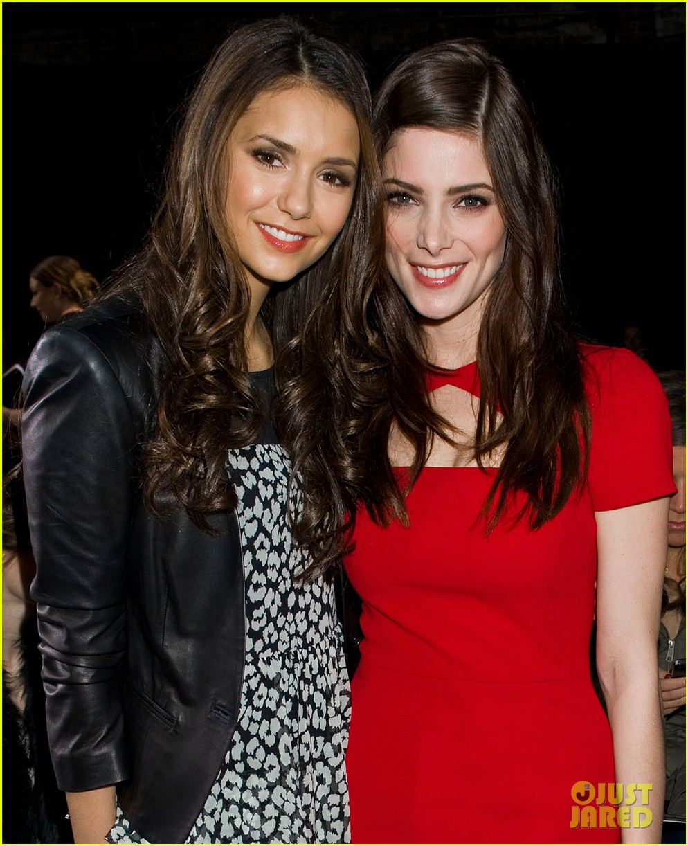 ashley greene nina dobrev dkny fashion show 09