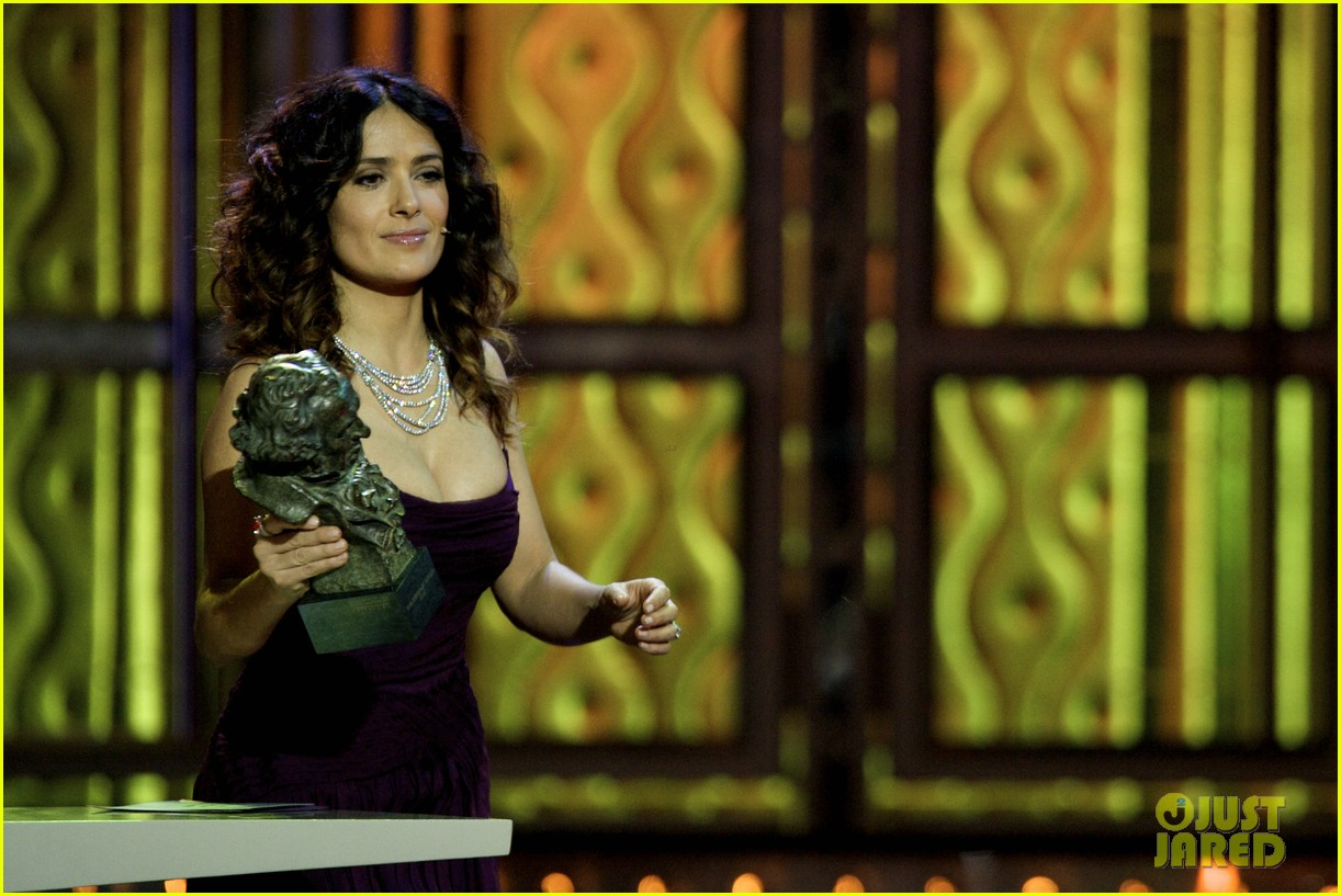 salma hayek goya awards 04