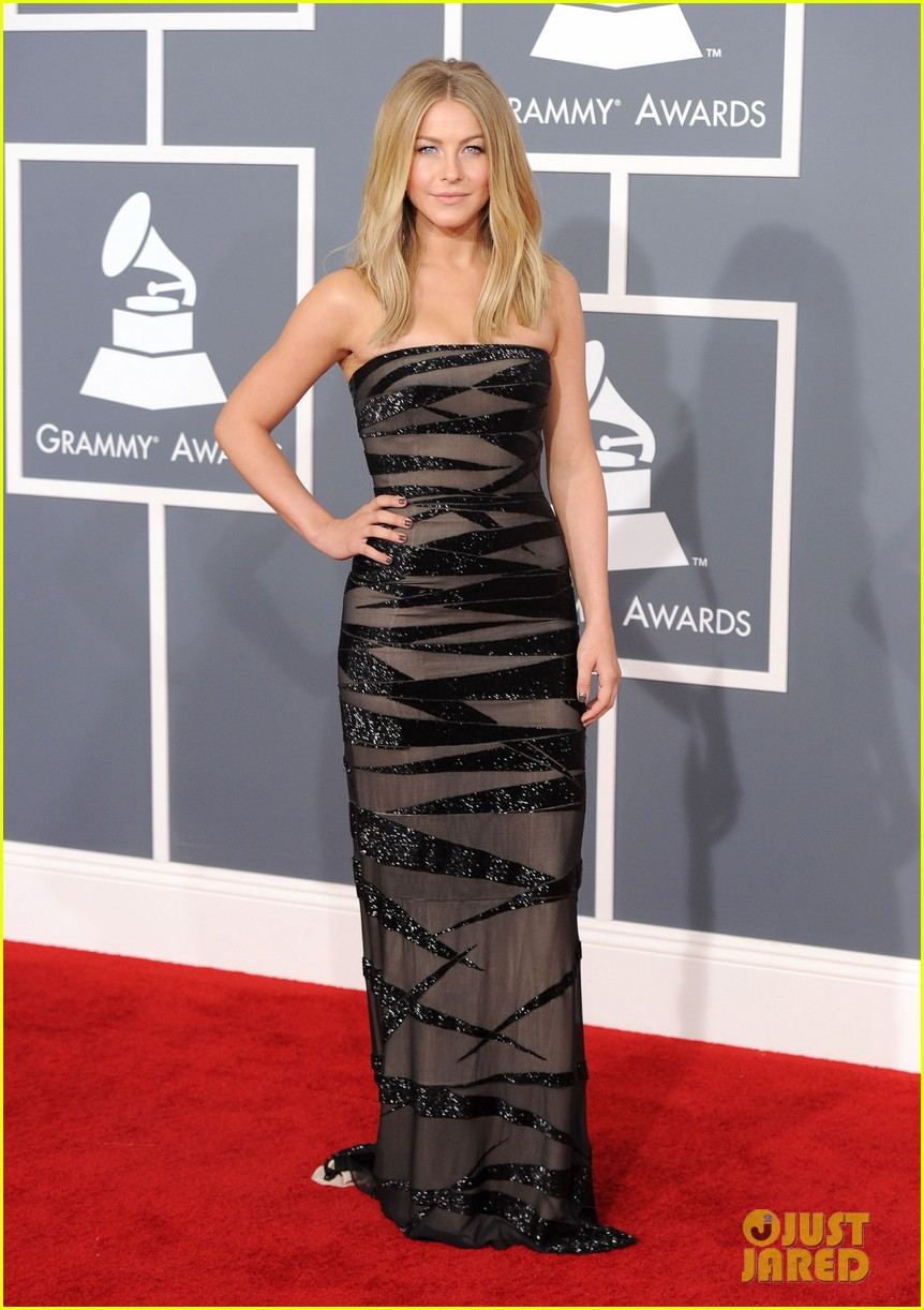 julianne hough 2012 grammy awards 05