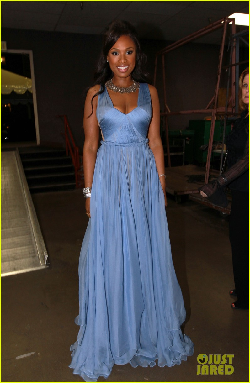 jennifer hudson naacp image awards 01