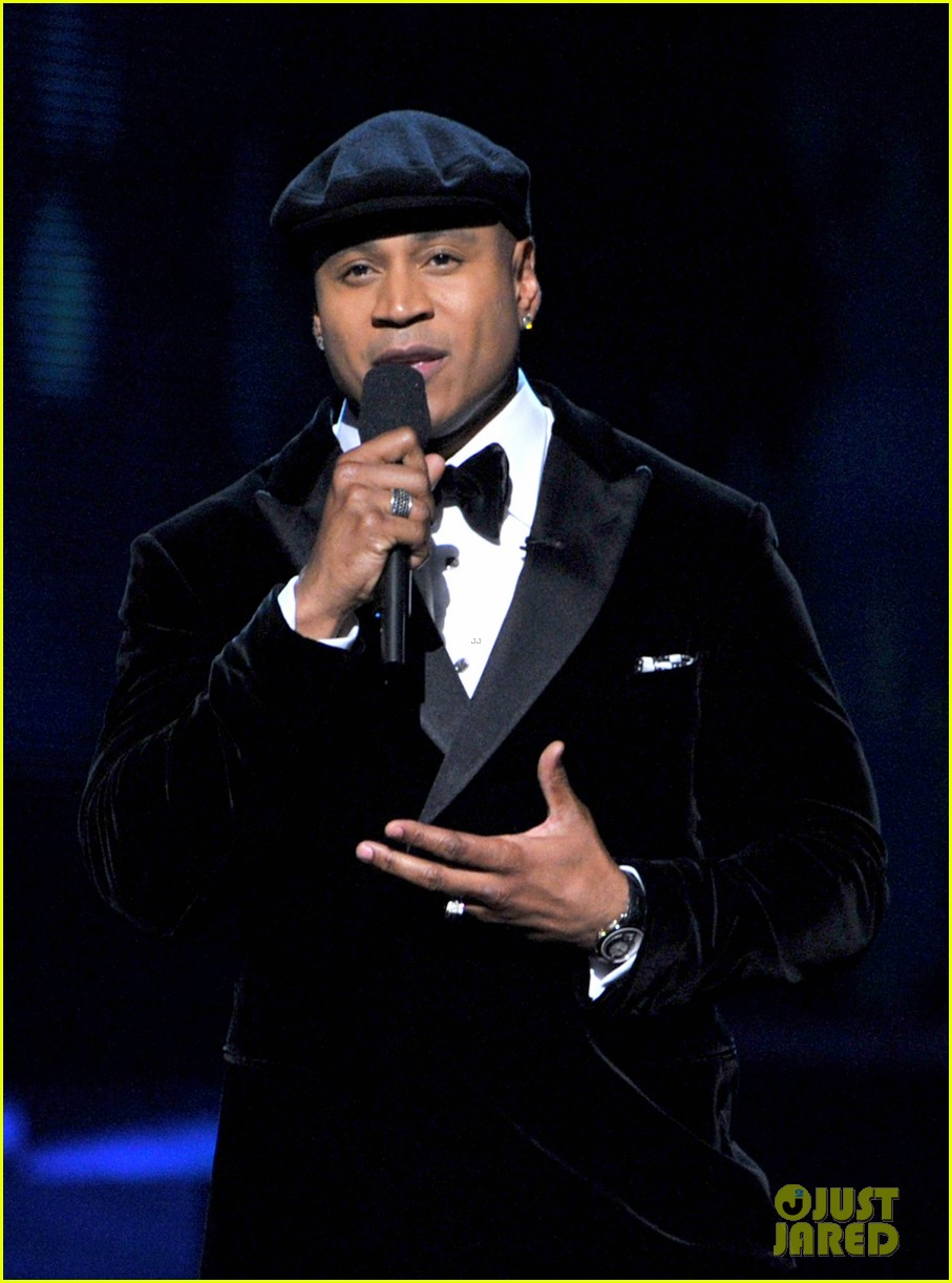 ll cool j prayer for whitney houston at grammys 09