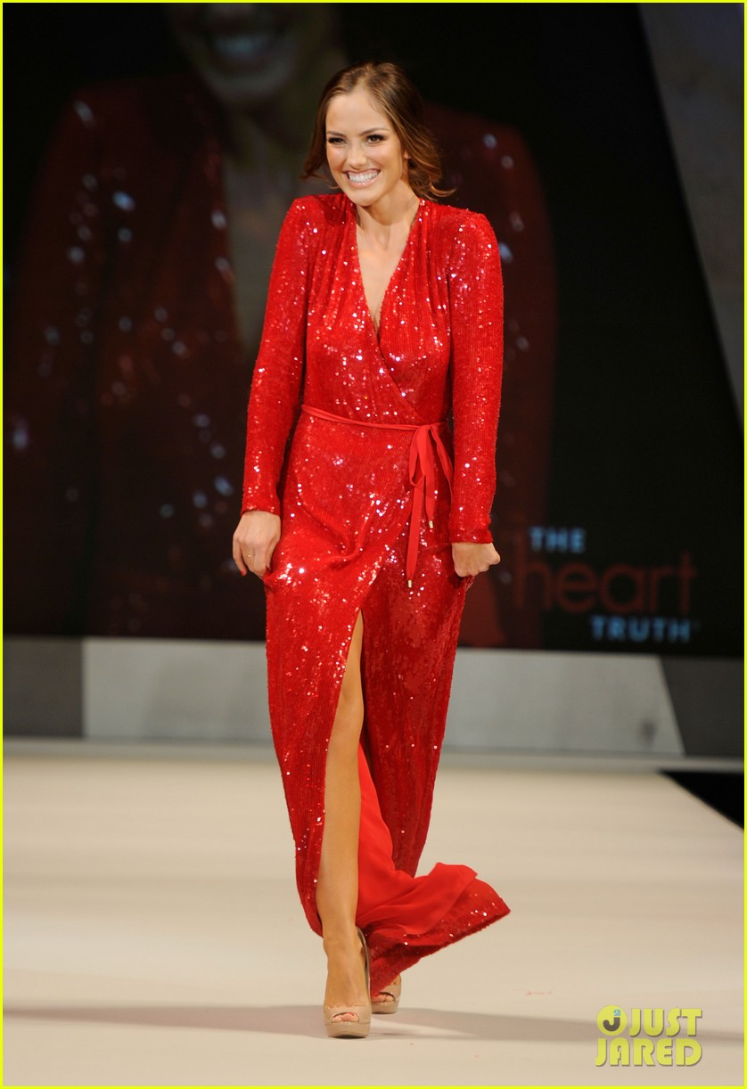 minka kelly red dress fashion show 12