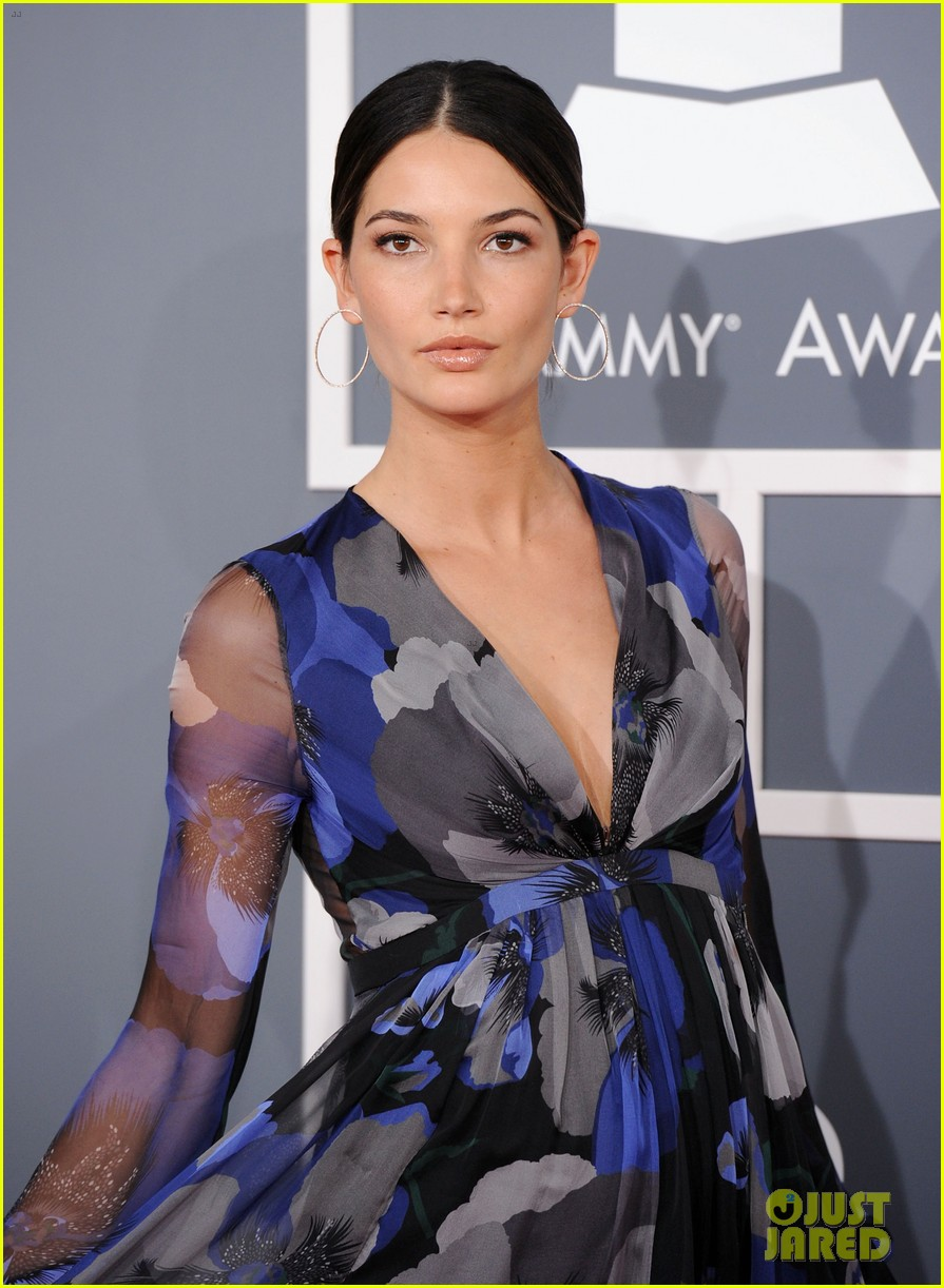 kings of leon lily aldridge grammys 2012 02