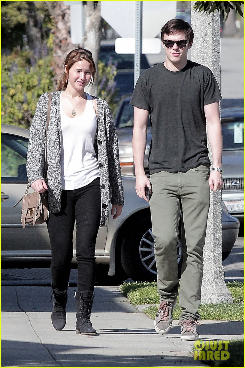 jennifer lawrence nicholas hoult out valentines day 042628967