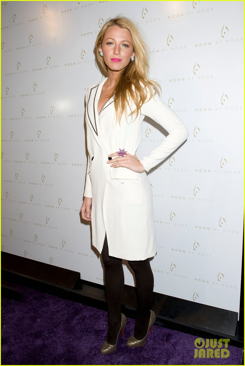 Full Sized Photo of blake lively noon noor show 03