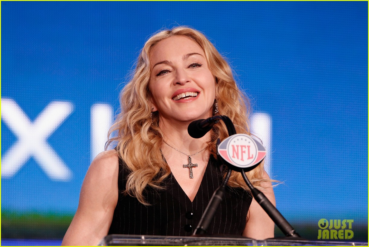 madonna super bowl press conference 09