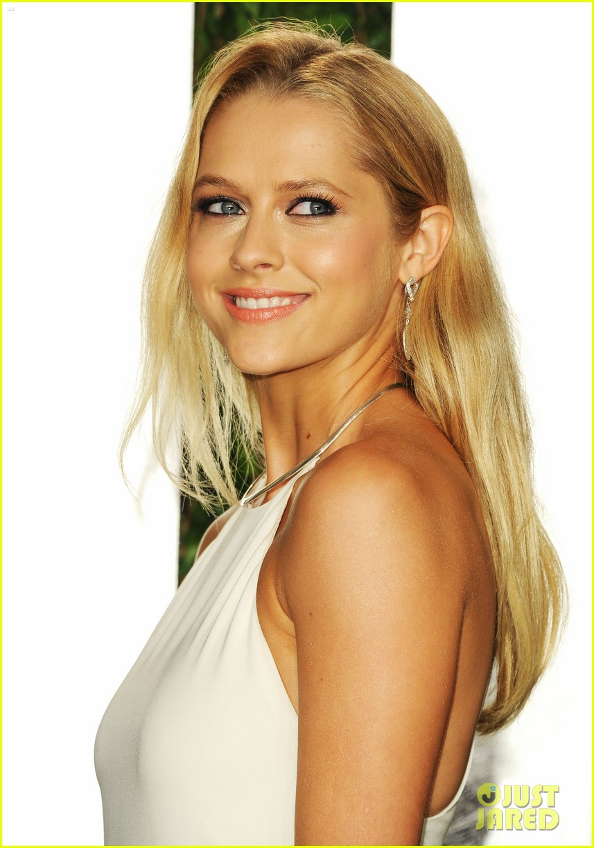 teresa palmer vanity fair oscar party 04