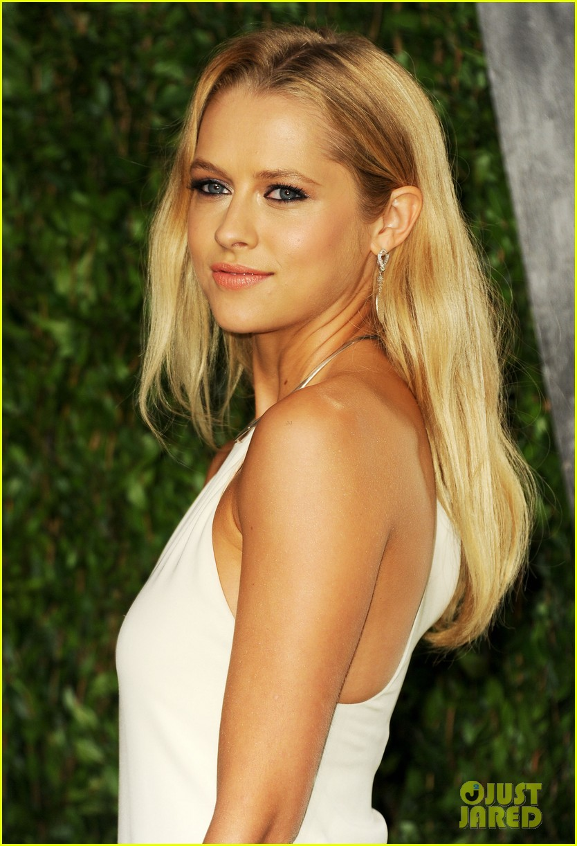 teresa palmer vanity fair oscar party 07