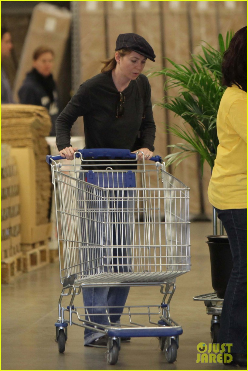 ellen pompeo ikea 05