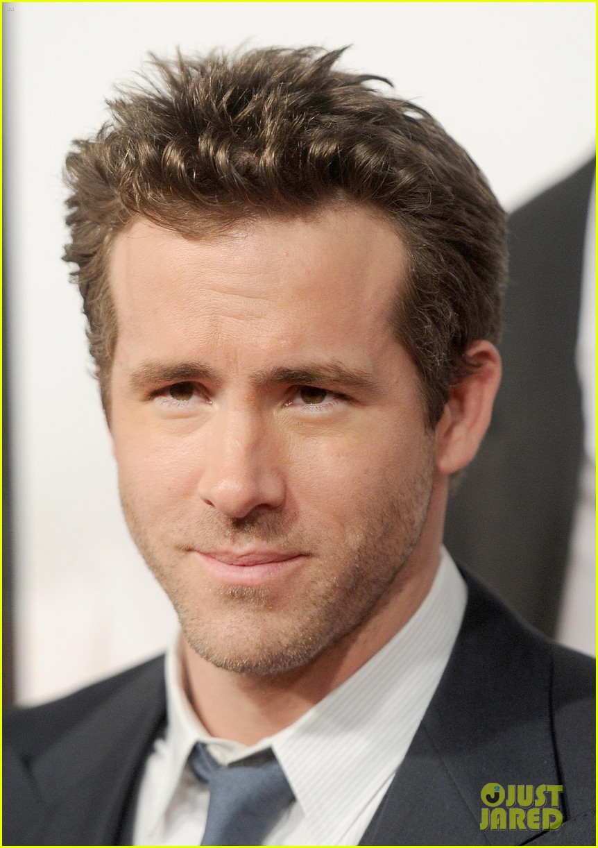 ryan reynolds denzel washington safe house premiere 072626325