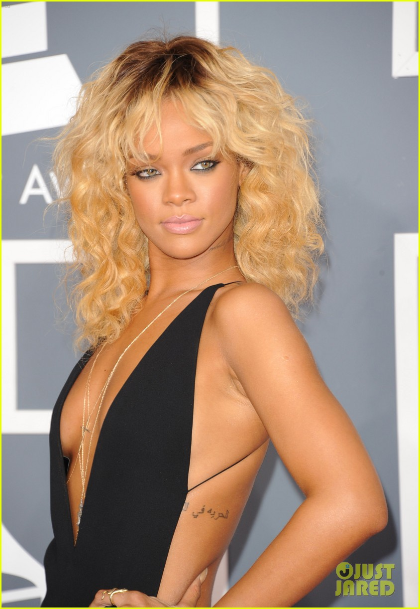rihanna grammy awards 2012 08