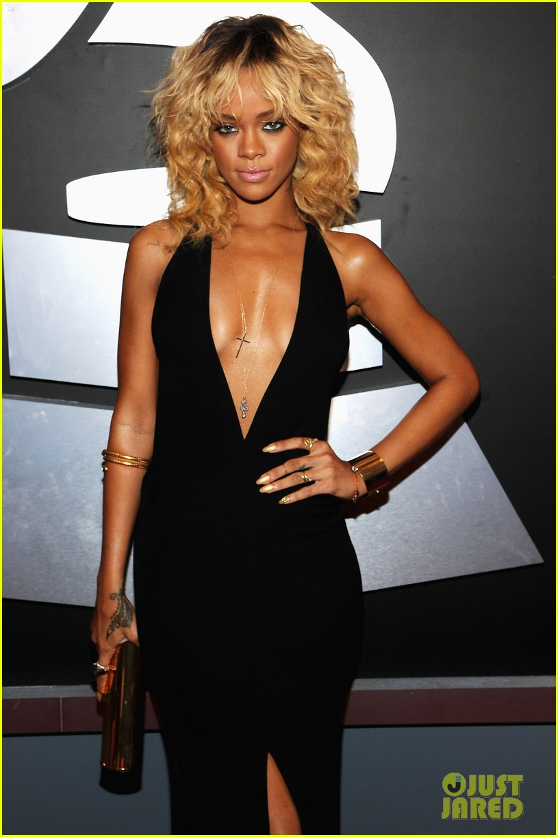 rihanna grammy awards 2012 09