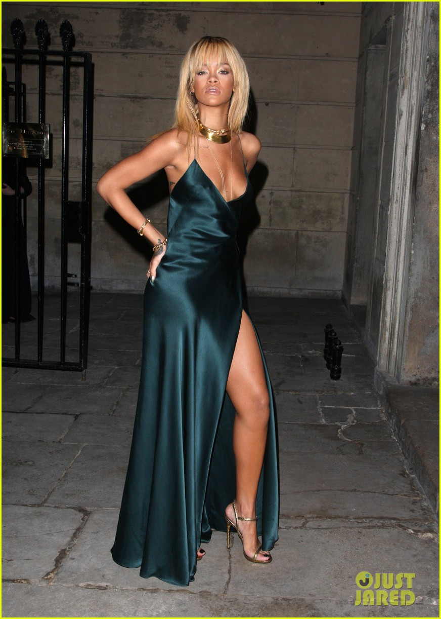 rihanna stella mccartney london fashion week 062630450